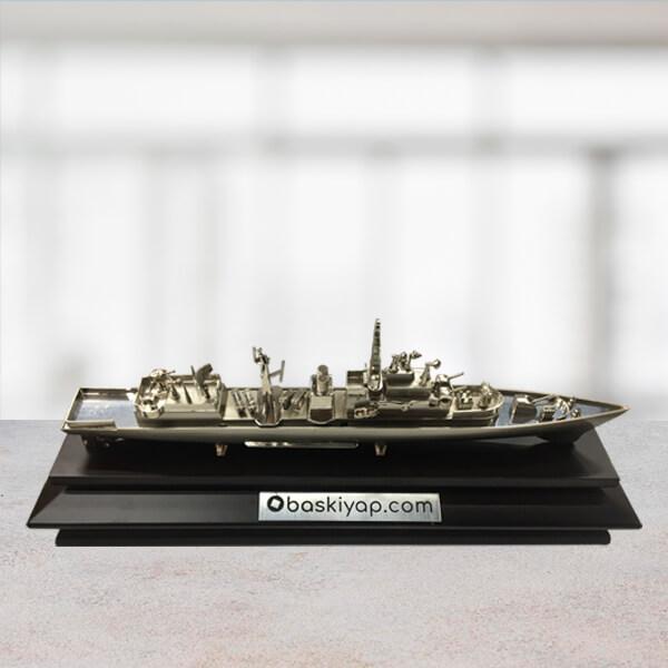 Ahşap Altlıklı Metal Gemi
